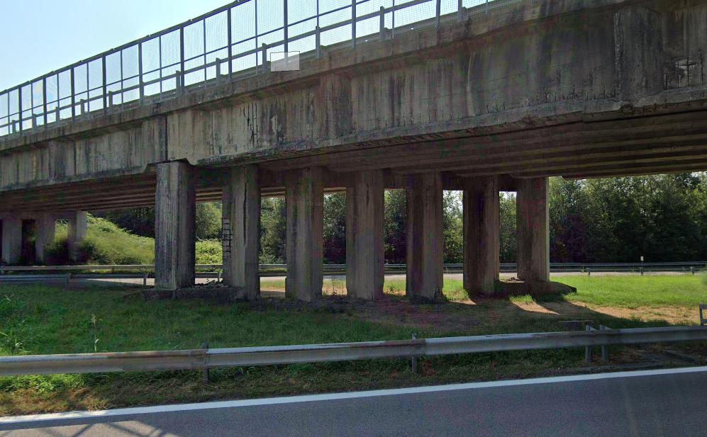 Il cavalcavia lungo la Sp 29 che attraversa la Superstrada