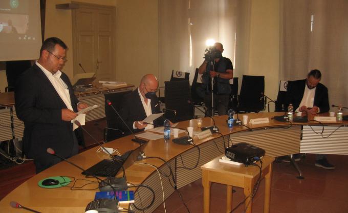 il vicepresidente Minarelli, il presidente Bonaccini e il sindaco Fabbri